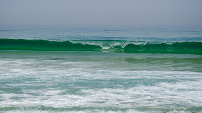 green_sea_waves_wallpaper_1920x1080_by_pauloppereira-d6e0koj.jpg